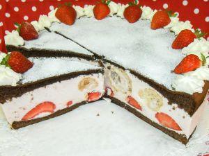 Erdbeer-Joghurt-Windbeutel-Torte (Bild 3)